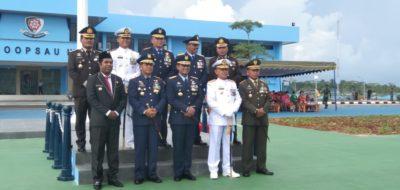 Foto bersama Komandan Kesatuan TNI/ Polri bersama Bupati Biak Herry A. Naap, S.Si, M.Pd