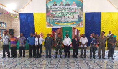 Usai acara Pelantikan badan pengurus harian GPKI majelis daerah warmare, di adakan foto bersama ( nakus M )