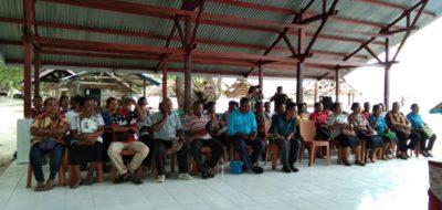 Masyarakat kelompok kerja perempuan saat mengikuti rapat dengar pendapat terkait penggunaan dana otsus