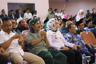Bupati Tulang Bawang Hj.Winarti.SE.,MH Secara Resmi Membuka Kegiatan Sarasehan ICMI Orda Lampung Di Gedung Kartini Menggala.