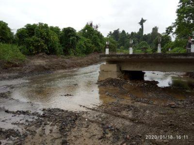 Bangkai Jembatan yang sudah rusak selama 6 Tahun di biarkan tidak tersentuh lagi oleh Pemeintah