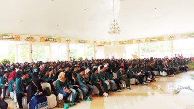 644 Orang Mahasiswa Unila Kuliah Kerja Nyata ( KKN ) Di Tulang Bawang Di Sambut Langsung Oleh Bupati Tuba Hj.Winarti. ( amco )