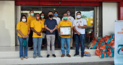 Foto brsama pihak BNI Cabang Biak dan Hadi Supermarket Biak